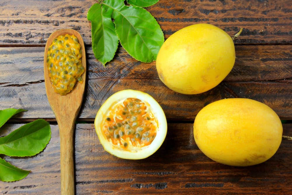 Maracuya Passion Fruit with Seeds from Colombia