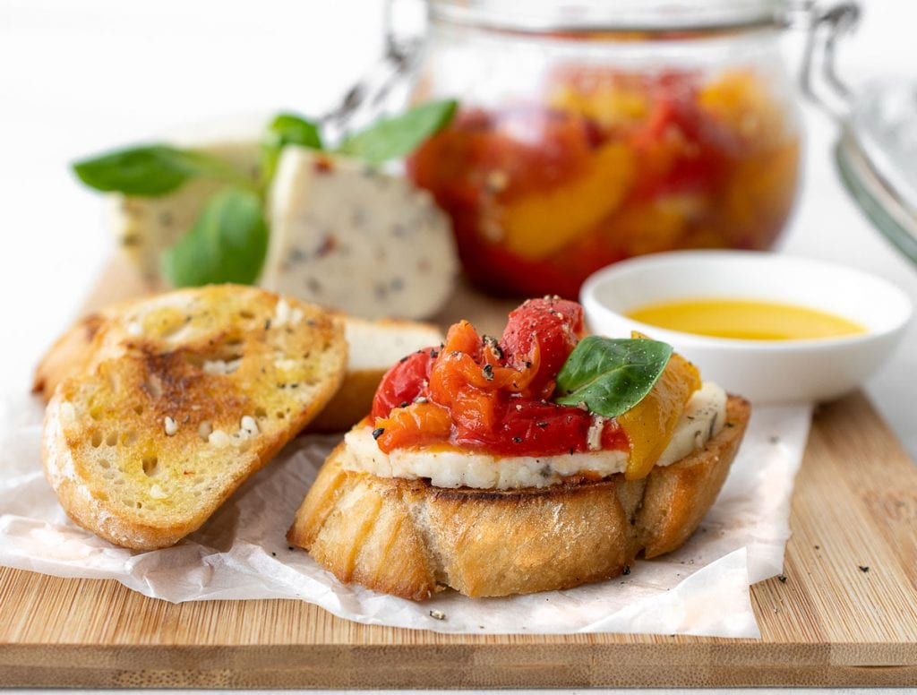 Queso de cabra, peppers on white toast